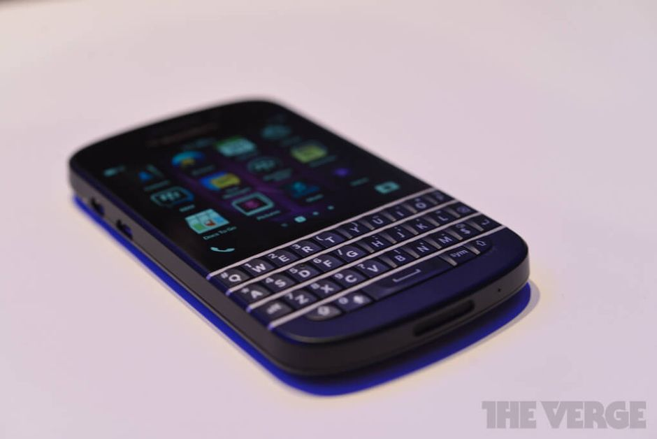 blackberry-q10-hands-on-pics-14_verge_super_wide
