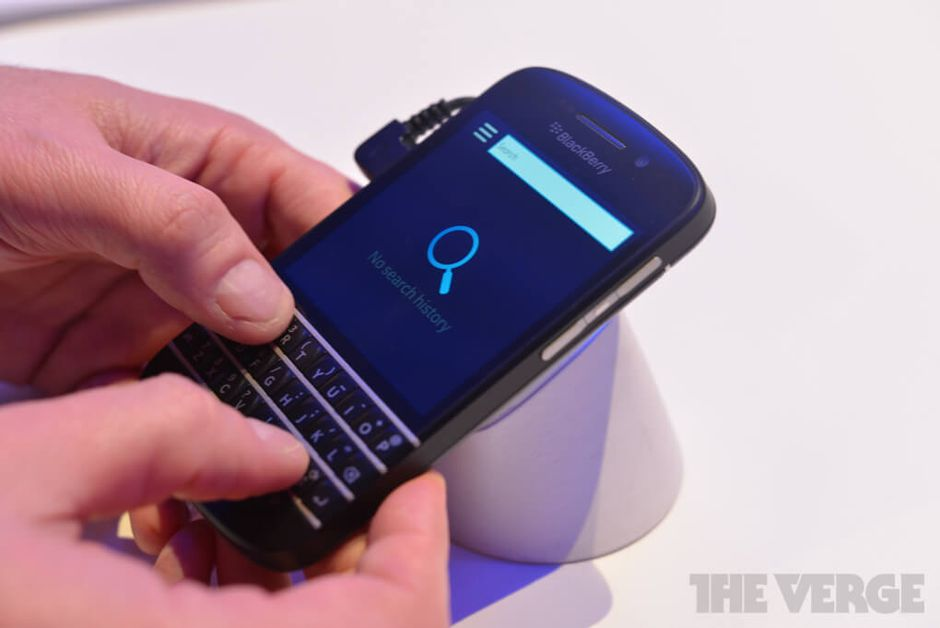 blackberry-q10-hands-on-pics-3_verge_super_wide