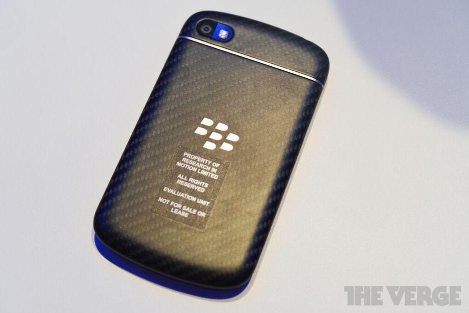 blackberry-q10-hands-on-pics-6_verge_super_wide