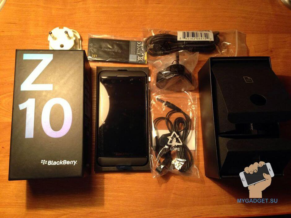содержание коробки Blackberry Z10