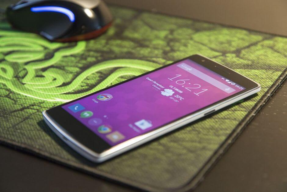 Обзор OnePlus One. Самый обсуждаемый смартфон этого лета.