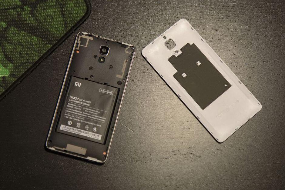 съемная крышка в Xiaomi Mi4