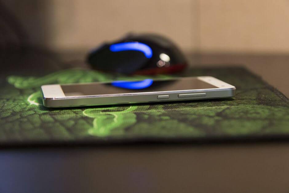 механические кнопки в Xiaomi Mi4