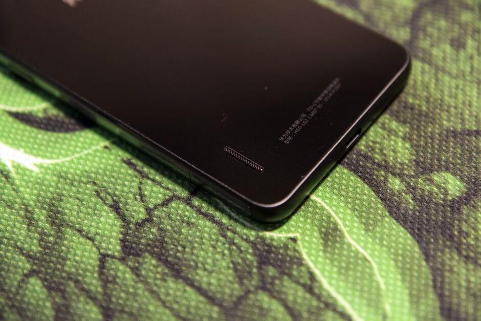 вызывной динамик в Huawei Honor 6