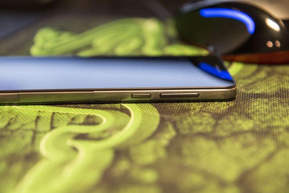 правый торец Huawei Honor 6
