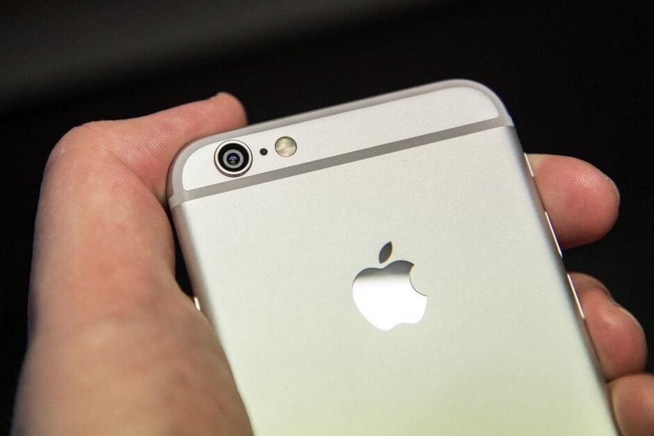 выпирающий глазок камеры в Apple iPhone 6