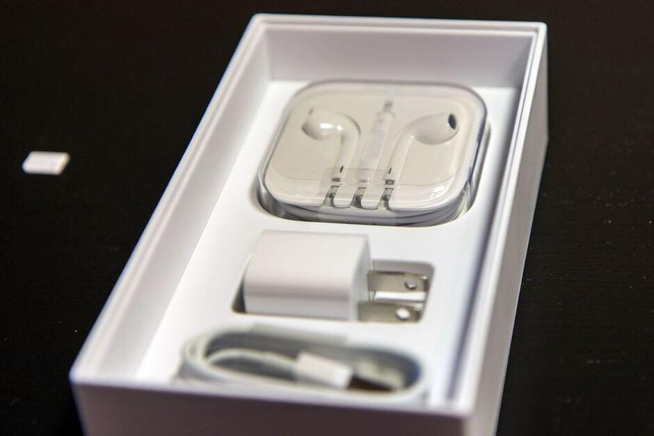содержание коробки Apple iPhone 6 Plus