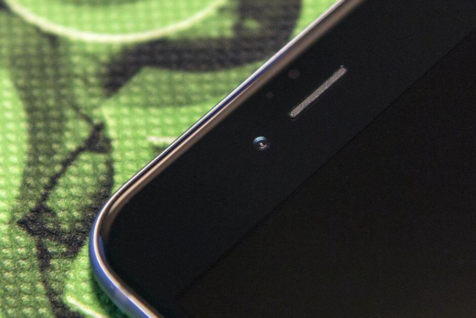 фронтальная камера в Apple iPhone 6 Plus