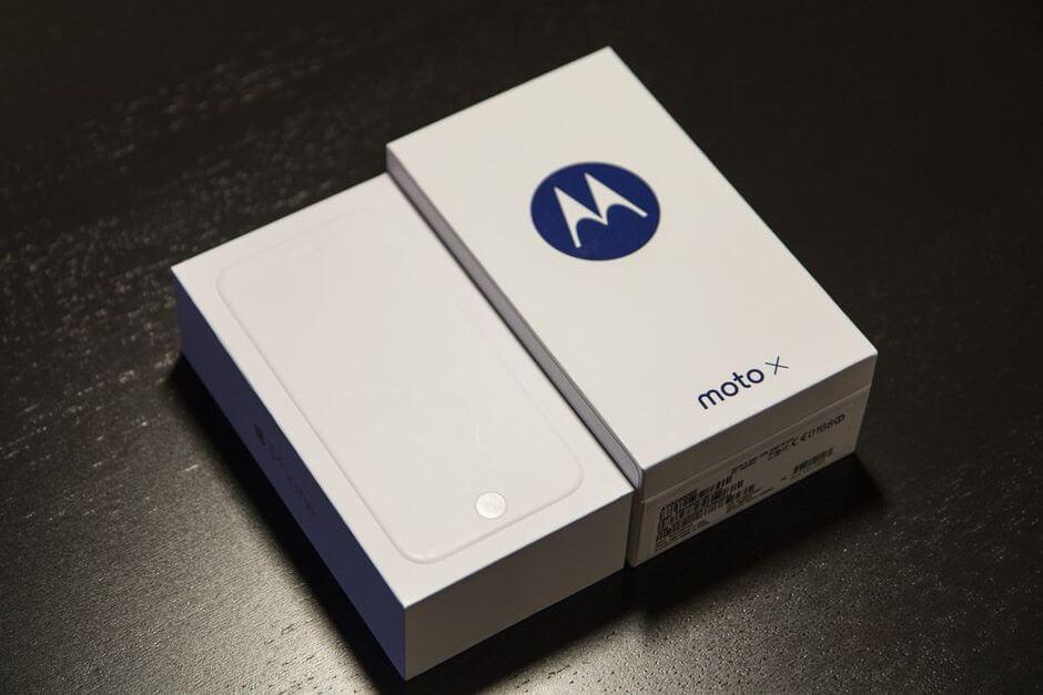 коробка от Motorola Moto X 2nd gen.