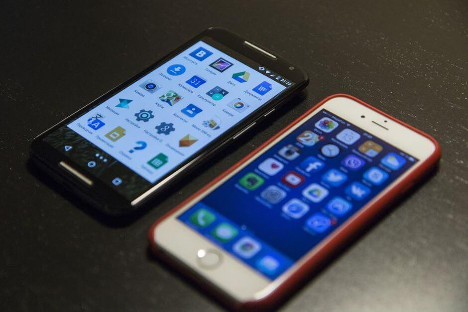 сравнение экранов в Motorola Moto X 2nd gen. и Apple iPhone 6