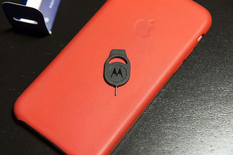 скрепка для вскрытия лотка SIM-карты Motorola Moto X 2nd gen.