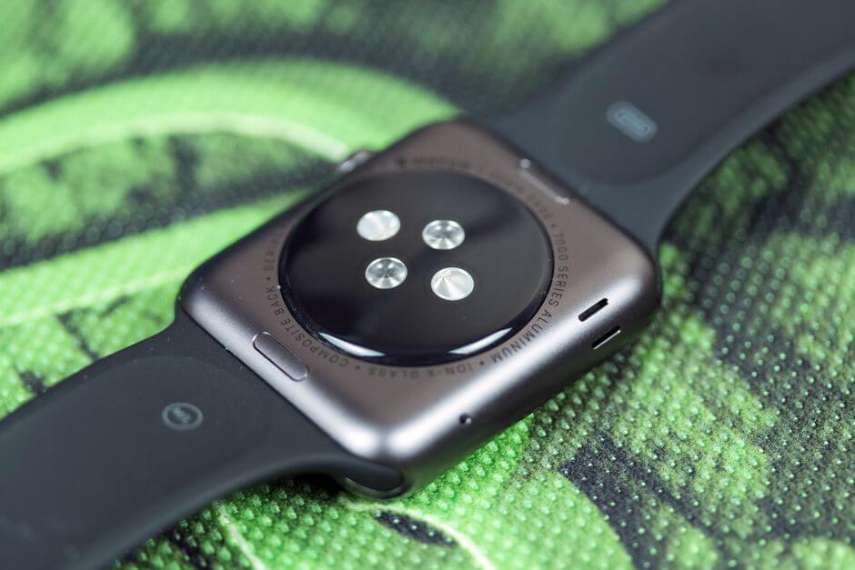 датчик сердечного пульса в Apple Watch Sport