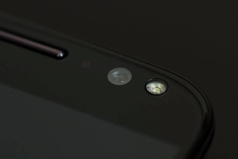 фронтальная камера Motorola Moto X Style