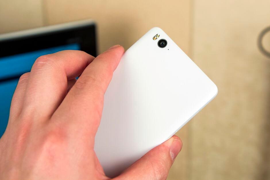 внешний вид Xiaomi Mi4c