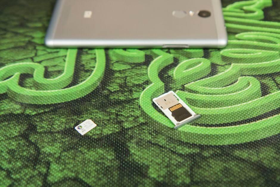 два слота для SIM в Xiaomi Redmi Note 3 Pro