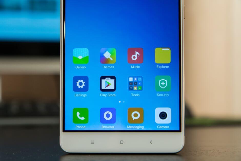 широкие рамки в Xiaomi Mi Max