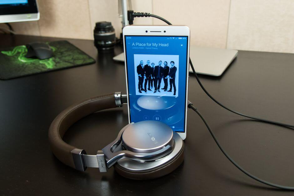 звук в наушниках Xiaomi Mi Max