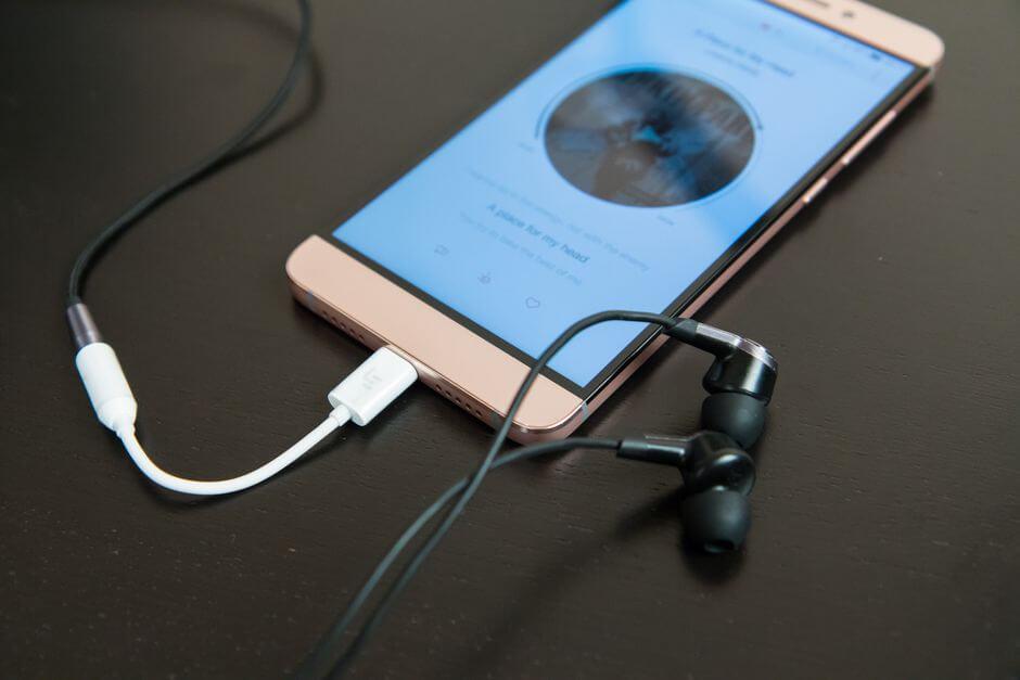 качество звука в наушниках в LeEco Le Max2