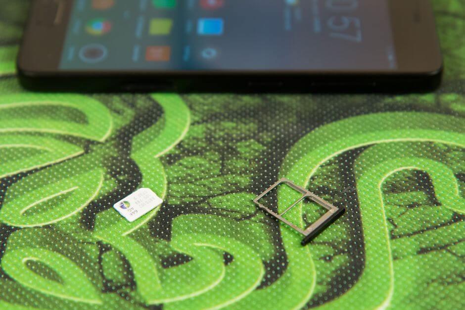 два слота для nano SIM в ZUK Z2