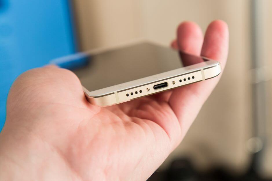 USB type C в Xiaomi Mi 5s Plus