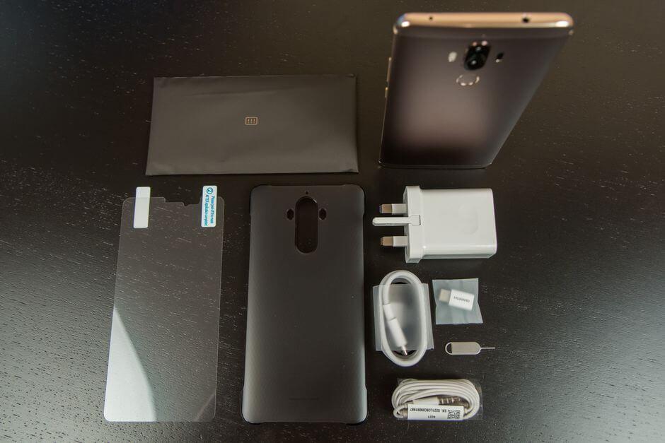 комплект поставки Huawei Mate 9