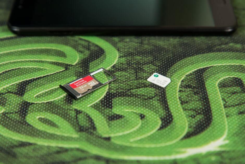 слот для SIM и microSD в UMIDIGI Z1 PRO