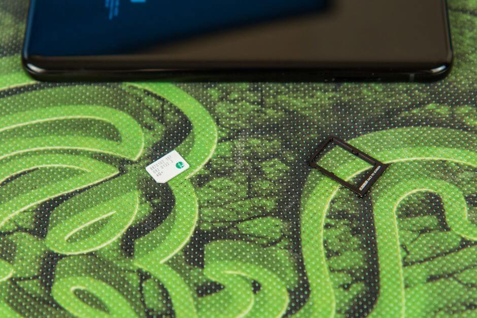 два слота для SIM в Xiaomi Mi Note 3